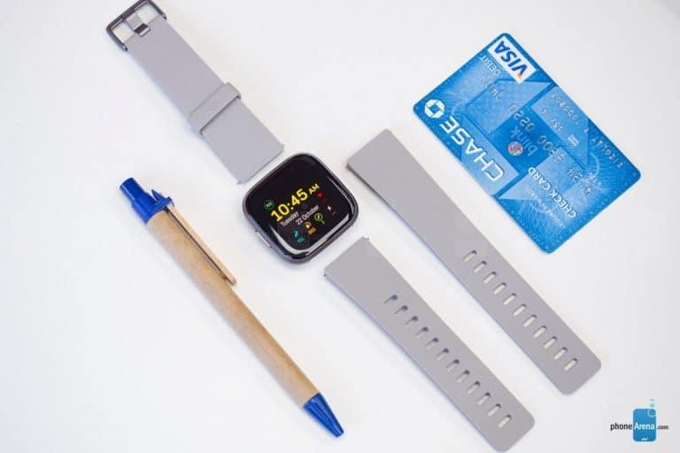 Deux des rivaux Apple Watch déjà abordables de Fitbit sont incroyablement bon marché en ce moment