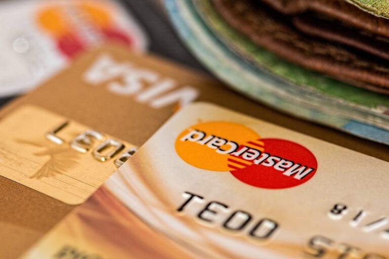 Une pénurie mondiale de puces pourrait affecter l'offre de cartes de crédit/débit, prévient un organisme de l'industrie