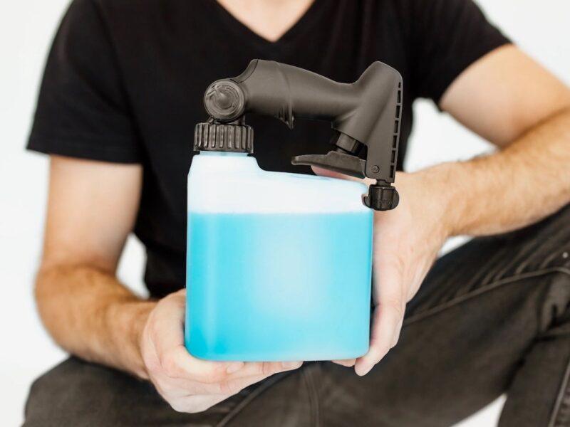 Ce vaporisateur innovant est ce que vous voulez dans votre armoire de nettoyage »