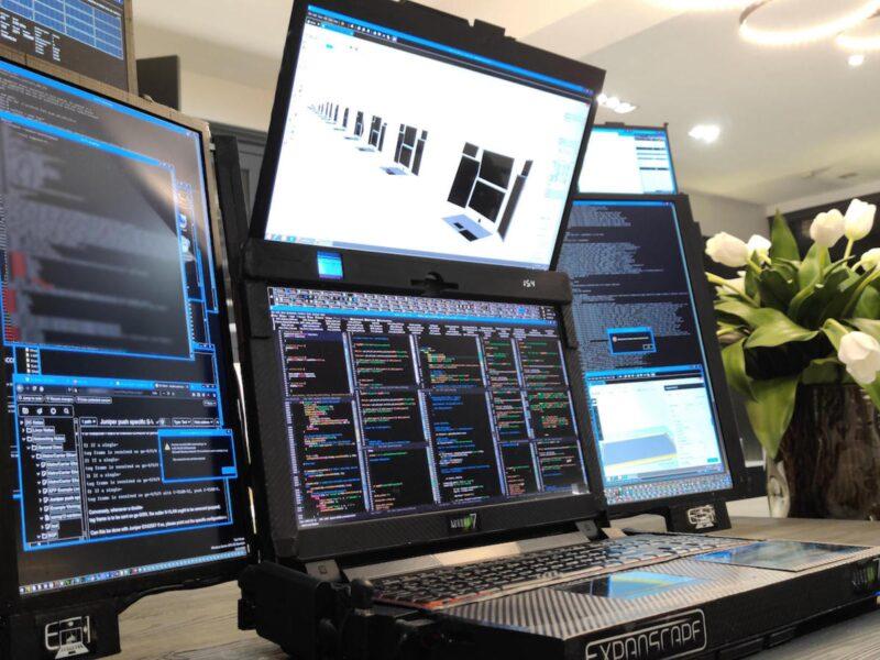Un ordinateur portable de jeu avec 7 écrans – découvrez Expanscape Aurora 7 »